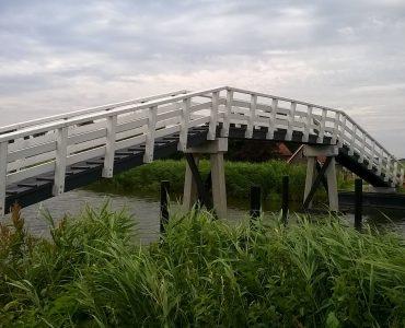 Obdam, voetgangersbrug